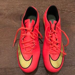 NEW Nike Mercurial cleats size 9